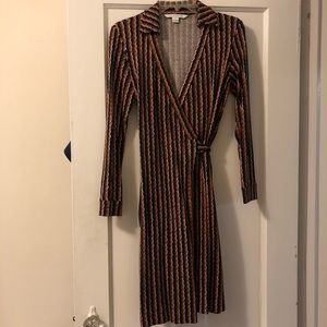 moving sale 🎉 iconic dvf wrap dress